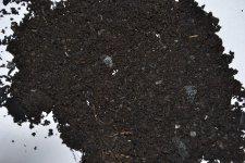 Drobnozrnná i jemnozrnná frakce pevného uhlíku je rovněž využitelná při výrobě kompostů. Vyrobte si svou vlastní Terra Preta.